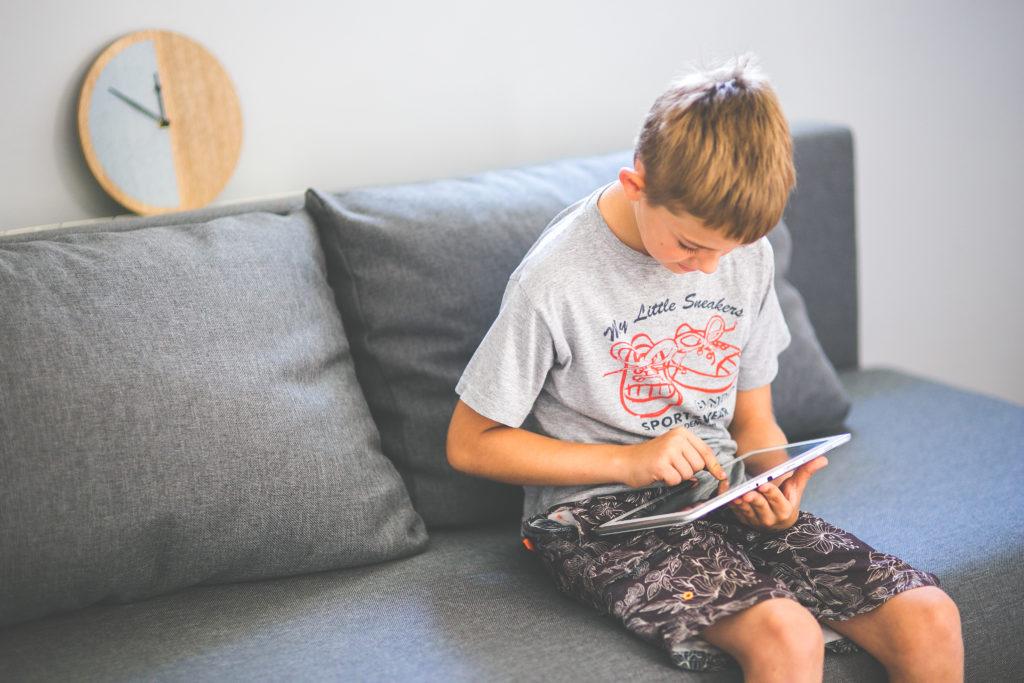 Adolescentes y sedentarismo: tiempo frente a la pantalla